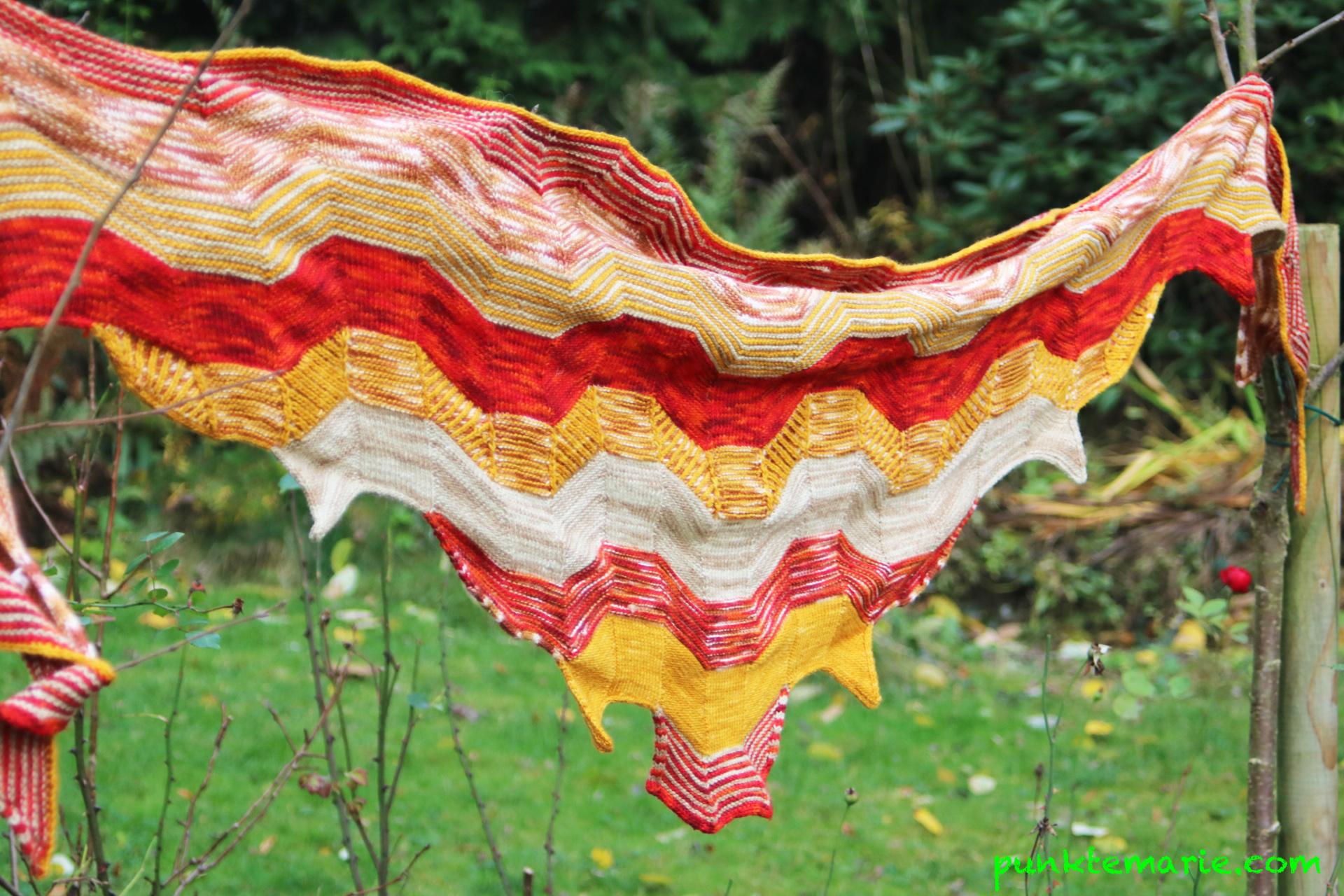 Mein MysteryKAL-Schal: Building Blocks – Punktemarie näht und strickt