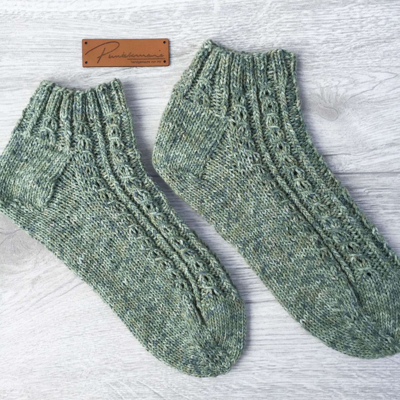Erika – die Socke – Punktemarie näht und strickt